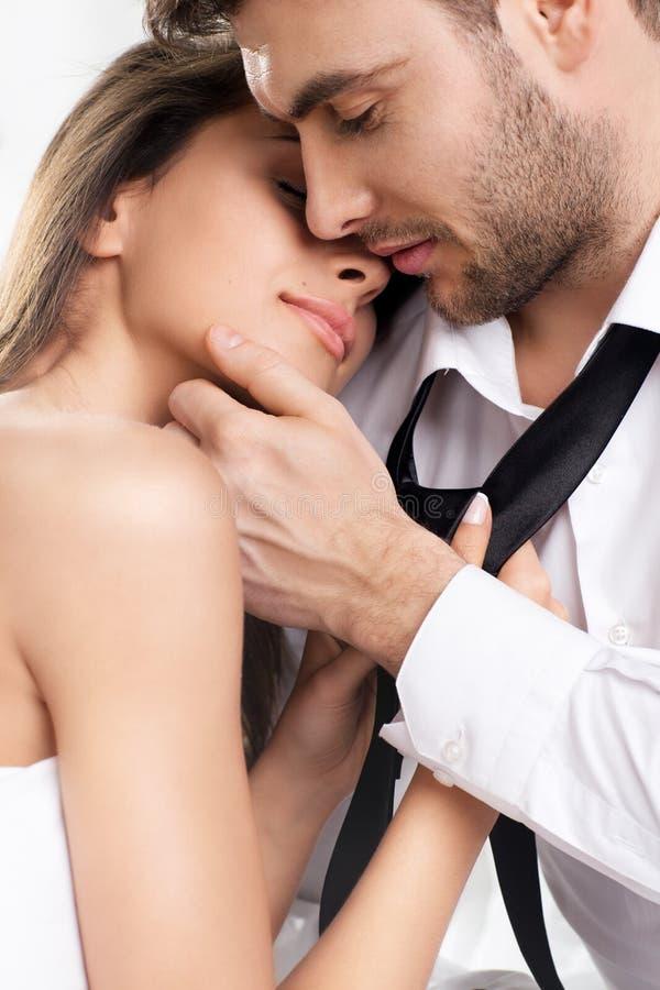 Mooi romantisch paar van minnaars stock afbeelding
