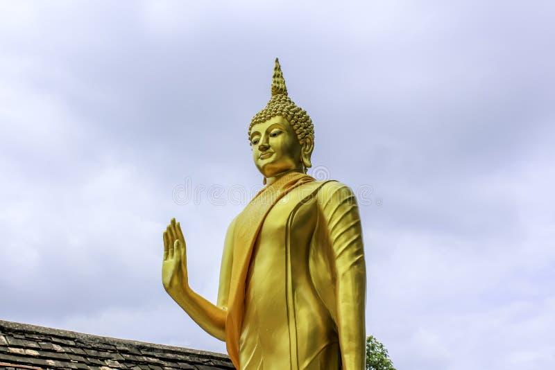 Het mooie standbeeld van Boedha royalty-vrije stock foto's