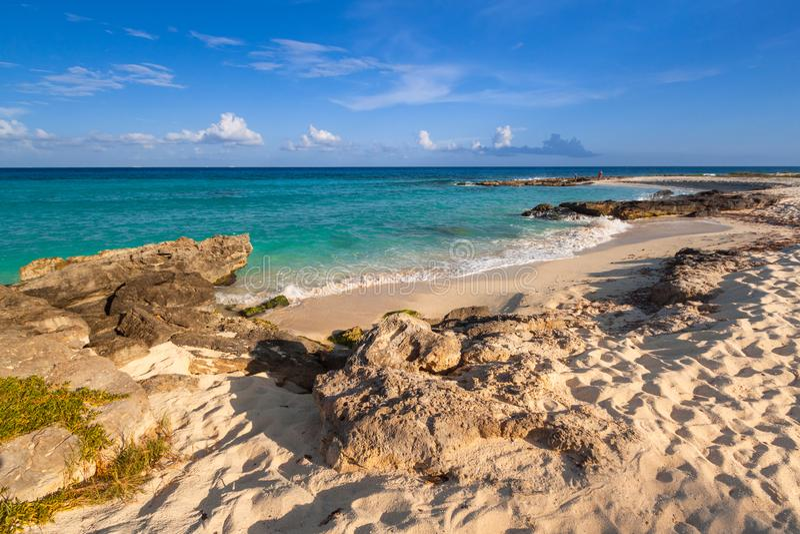 Het mooie strand van de Caraïbische Zee in Playa del Carmen, Mexico royalty-vrije stock foto