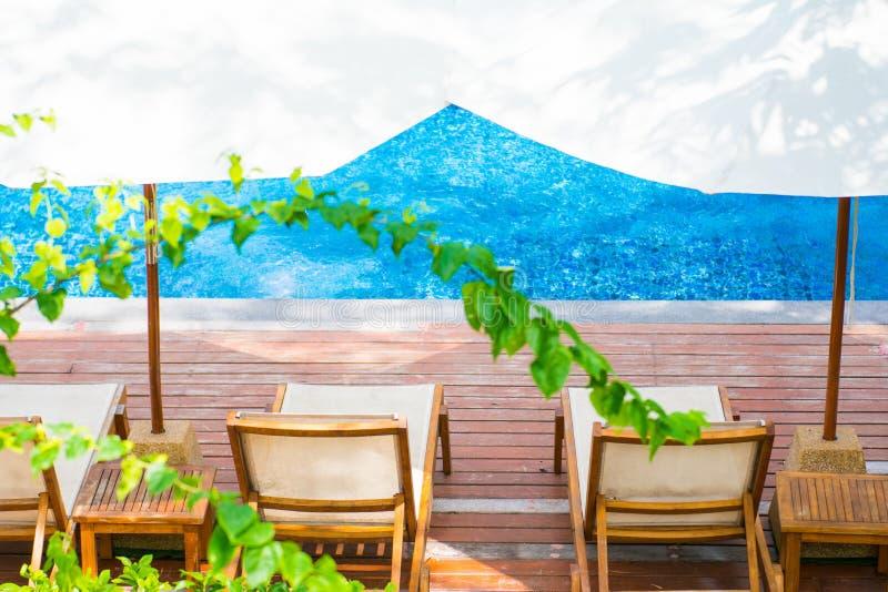 Het mooie zwembad is goede hoek voor ontspanning royalty-vrije stock foto's