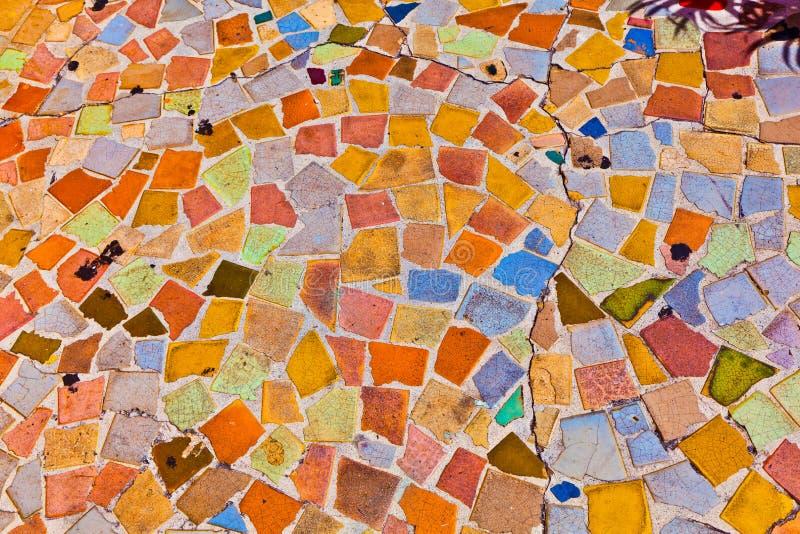 Het mozaïek met tegels geeft een kleurrijk patroon royalty-vrije stock fotografie