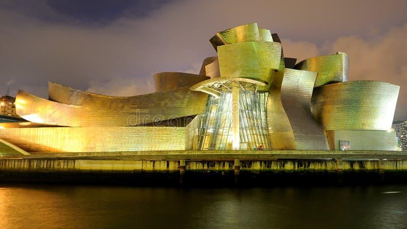 Het museum Guggenheim in Bilbao stock foto's