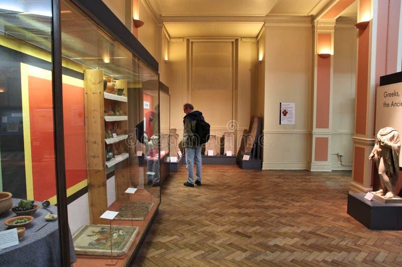 Download Het museum van Birmingham redactionele fotografie. Afbeelding bestaande uit album - 39112582