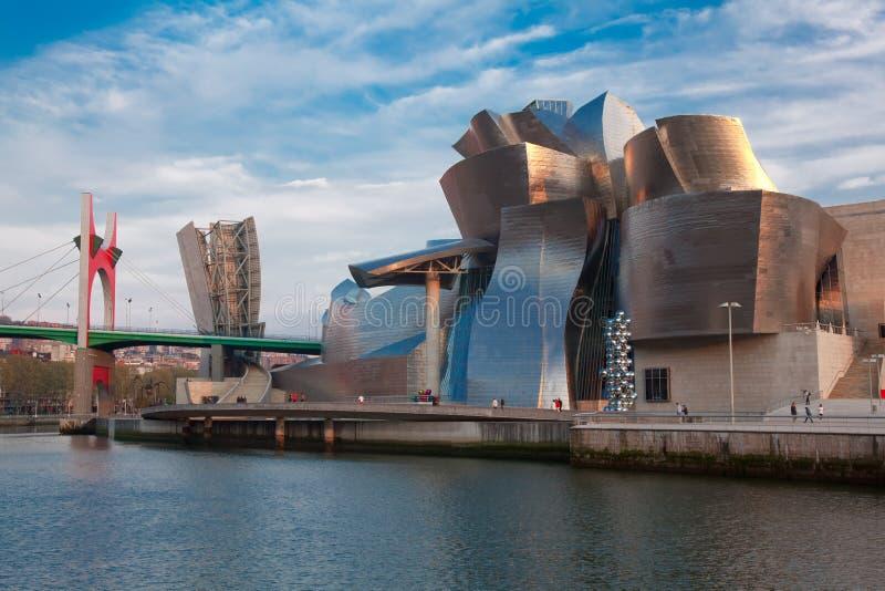 Het museum van Guggenheim in Bilbao stock foto's