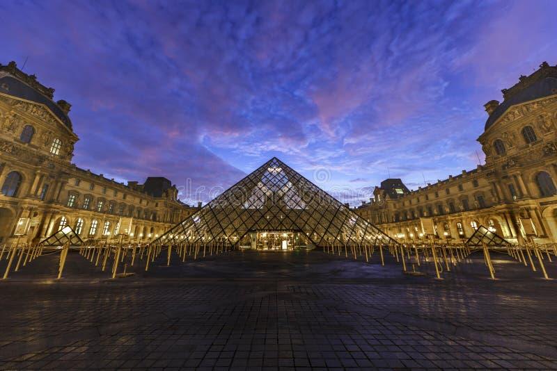 Het Museum van het Louvre - Parijs stock foto
