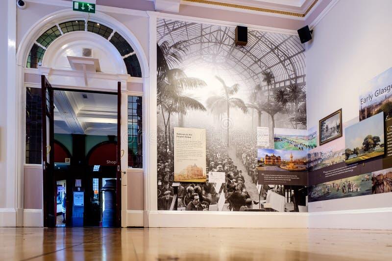 Het museum van het Mensen` s Paleis op Groen Glasgow stock afbeelding