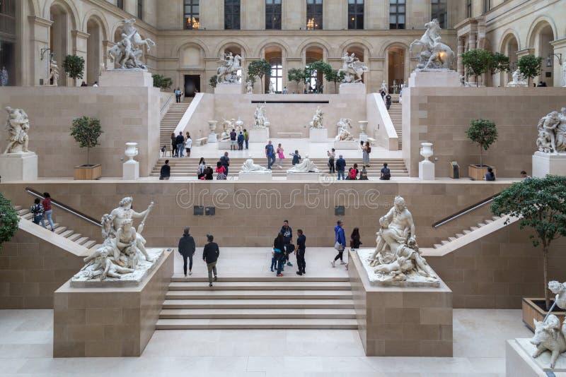 Het Museum van het Louvre in Parijs, Frankrijk stock afbeeldingen