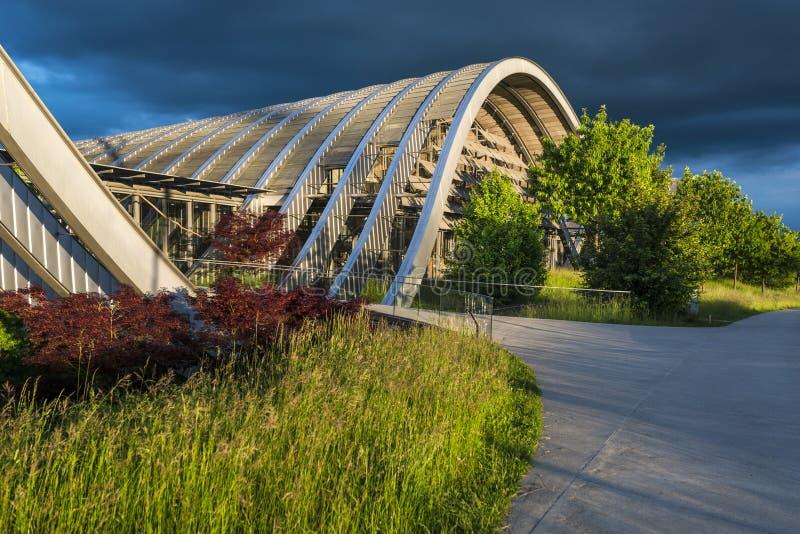 Het museum van Zentrumpaul klee in Bern bij zonsondergang, Zwitserland stock fotografie