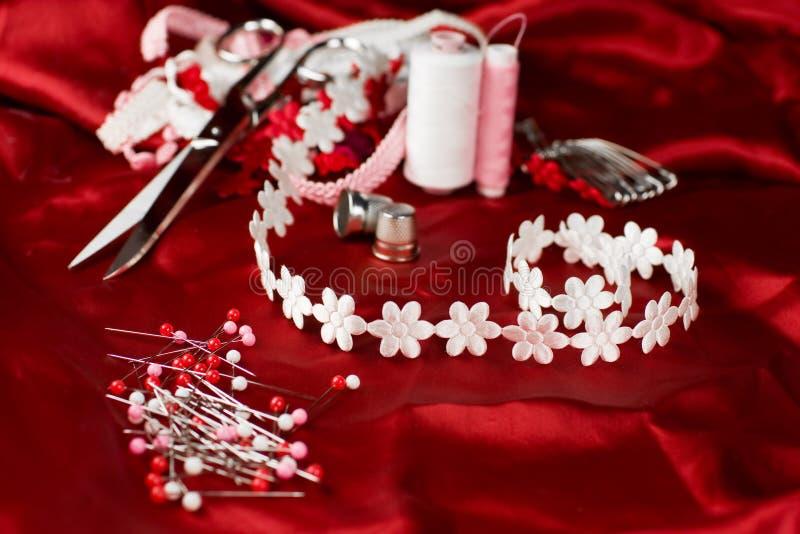 Het naaien rood royalty-vrije stock foto