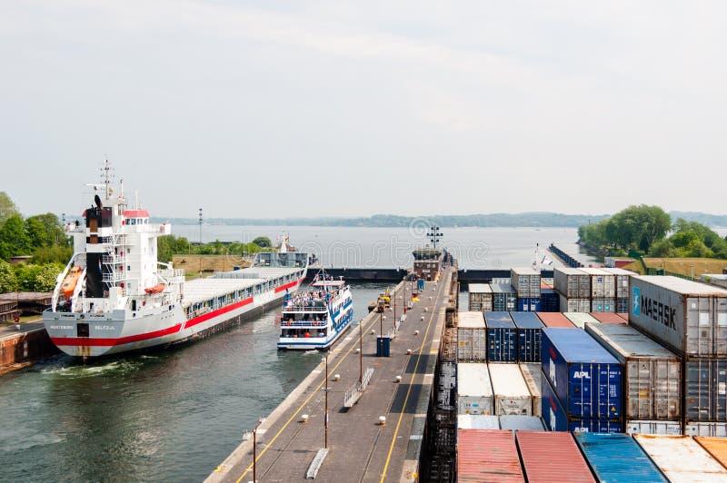 Het naderbij komen Kiel Canal, Duitsland stock foto
