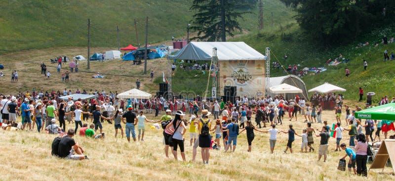 Het nationale Bulgaarse festival Rozhen van de dansfolklore royalty-vrije stock afbeeldingen