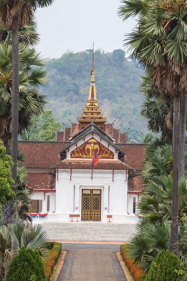 Het nationale museum van de boommening louangprabang stock afbeelding