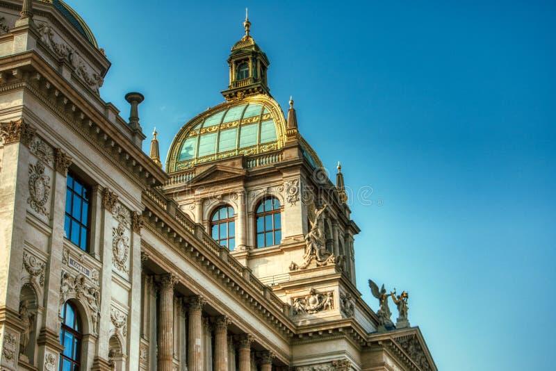 Het Nationale Museum van Praag stock foto's