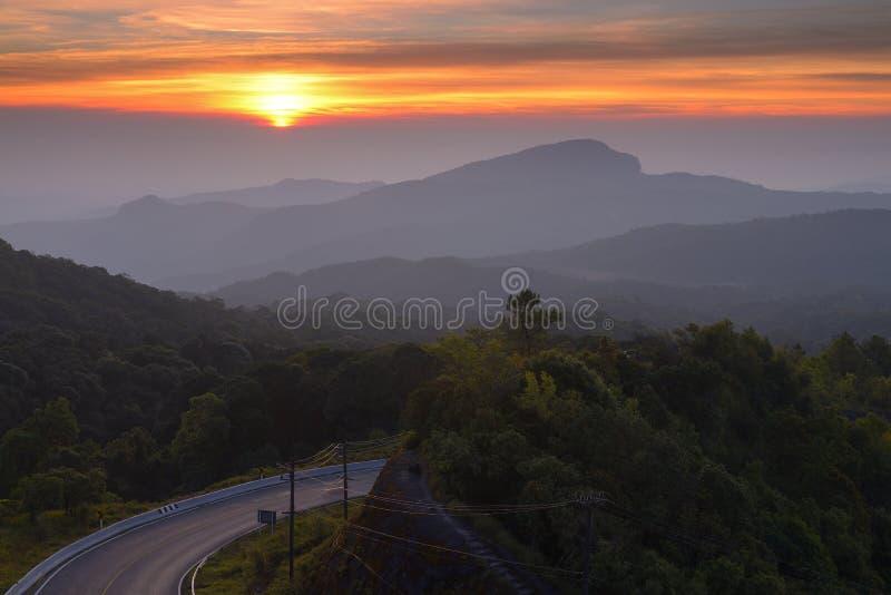 Het Nationale Park van Doiinthanon, Chiang Mai in de vroege ochtend royalty-vrije stock foto