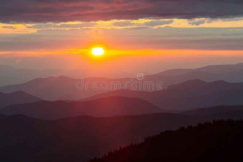 Het Nationale Park van Great Smoky Mountains bij Zonsondergang stock foto's