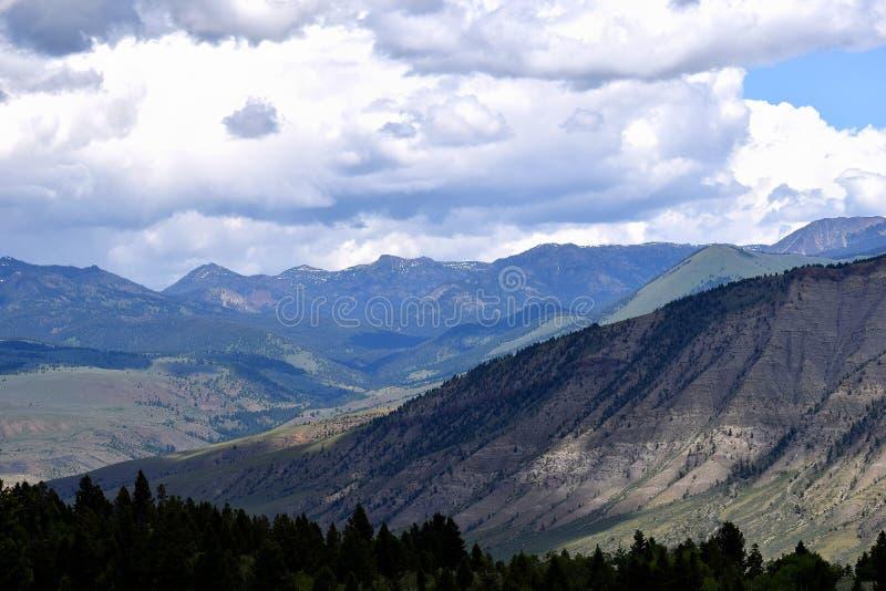 Het Nationale Park van Yellowstone van het berglandschap, Wyoming, de V.S. stock foto's