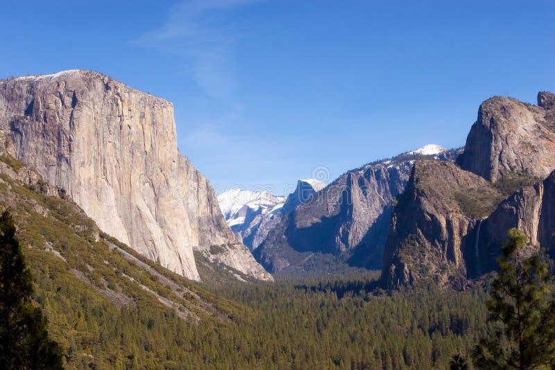 Download Het Nationale Park Van Yosemite Stock Foto - Afbeelding bestaande uit bomen, reis: 10777198