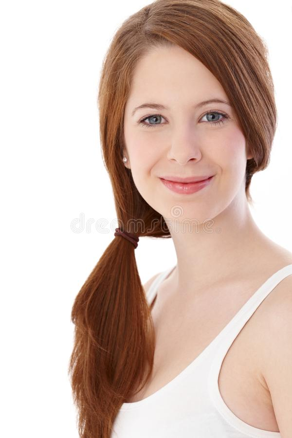 Het natuurlijke jonge vrouw glimlachen stock afbeeldingen