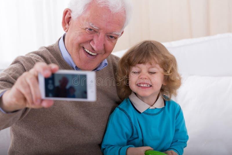 Het nemen van foto telefonisch stock foto's