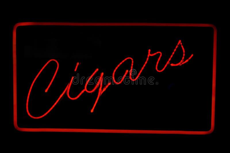 Het neonteken van sigaren vector illustratie