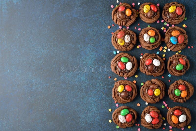 Het nest van Pasen van de koekjeschocolade royalty-vrije stock fotografie