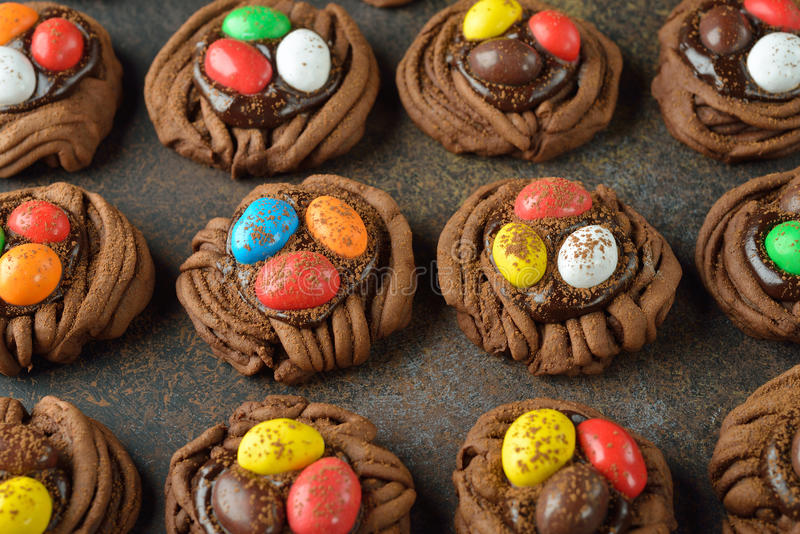 Het nest van Pasen van de koekjeschocolade royalty-vrije stock foto
