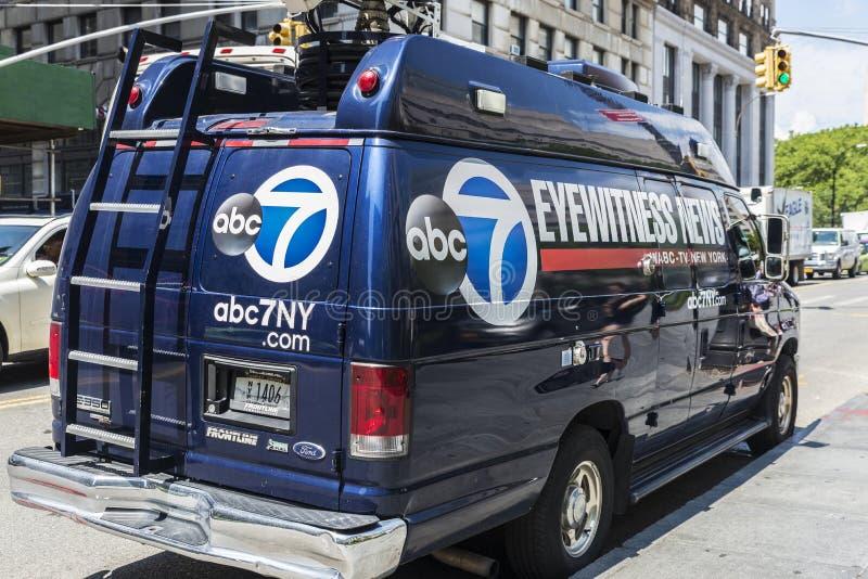 Het netwerk van de nieuwstelevisie bestelwagen geroepen abc7ny in de Stad van New York, de V.S. stock foto