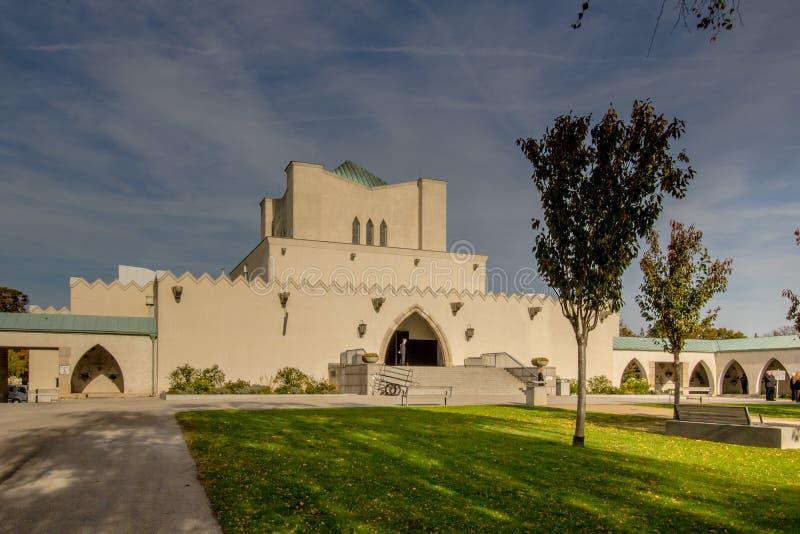 Het Neugebaude-kasteel met zijn park in de recente zomer Wenen, Oostenrijk royalty-vrije stock foto