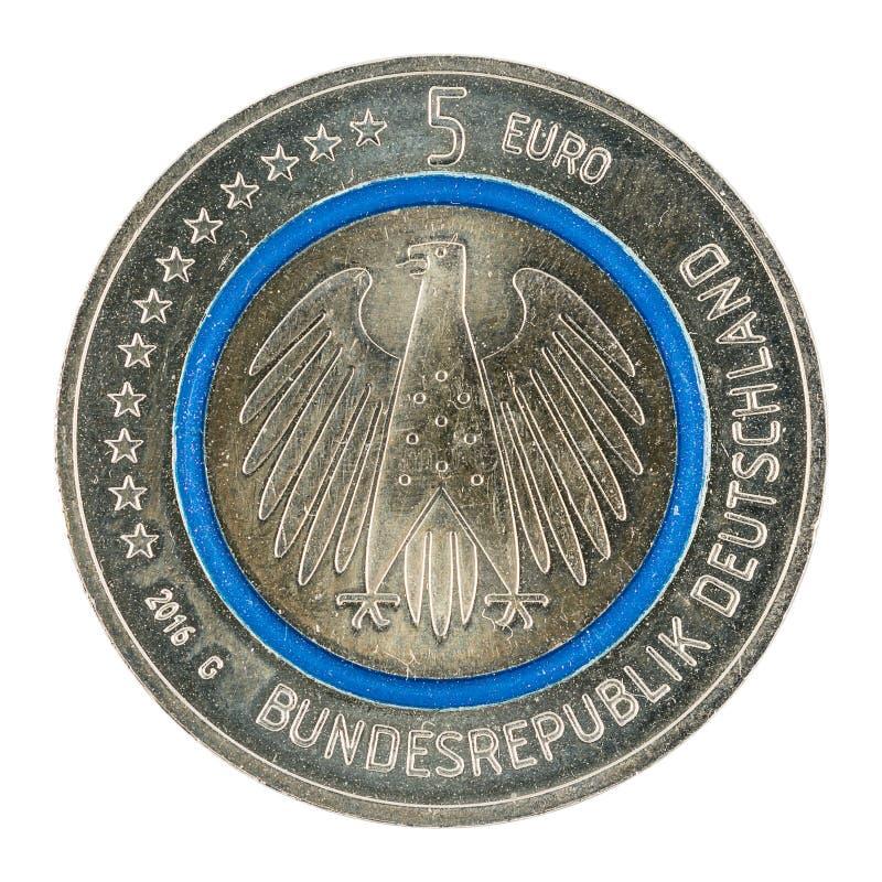 Het nieuwe Duits vijf euro muntstuk 2016 met blauwe polymeerring stock afbeelding