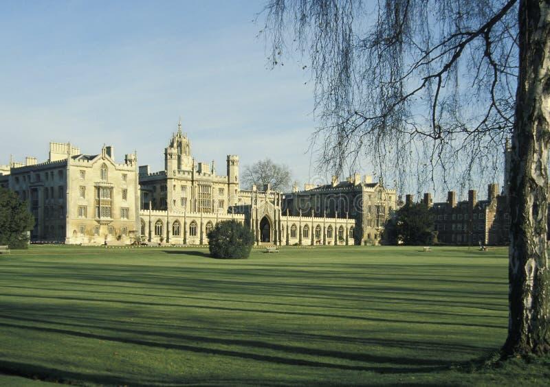 Het Nieuwe Hof van St John Universiteit in Cambridge, Groot-Brittannië, stock foto