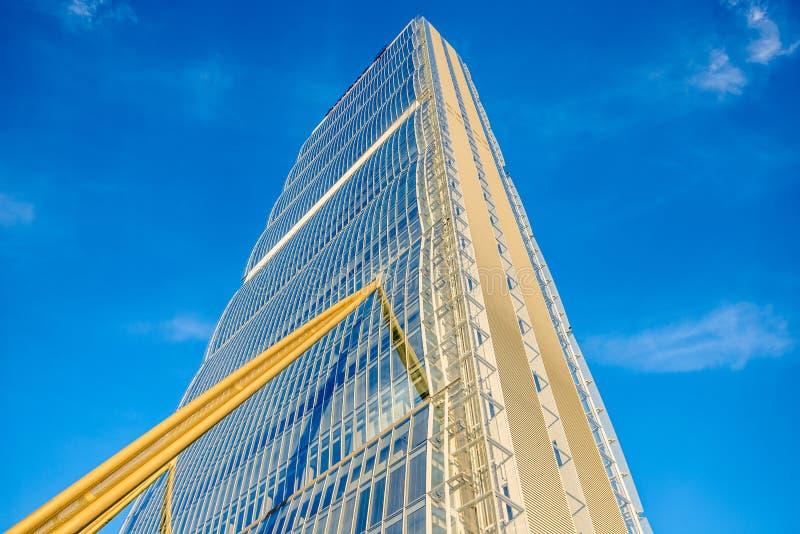 Het nieuwe Hoofdkwartier van wolkenkrabberallianz ontwierp door Arata Isozaki Architect bij Citylife-district stock foto's