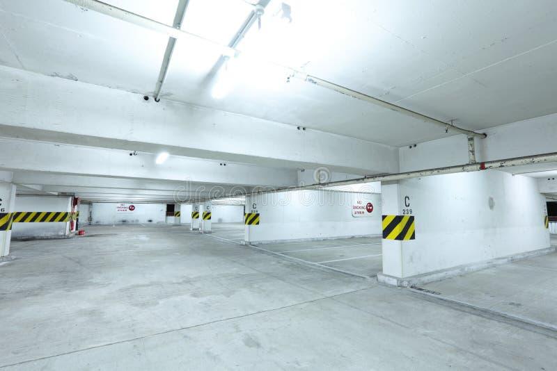 Het niveau van het autoparkeren stock afbeelding