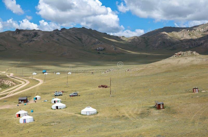Het nomadeleven van Mongool op savanne stock fotografie