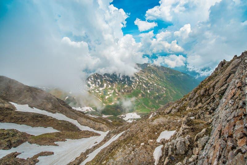 Het noorden - oostelijk gezichtspunt van Pic du Midi, Frankrijk royalty-vrije stock afbeeldingen