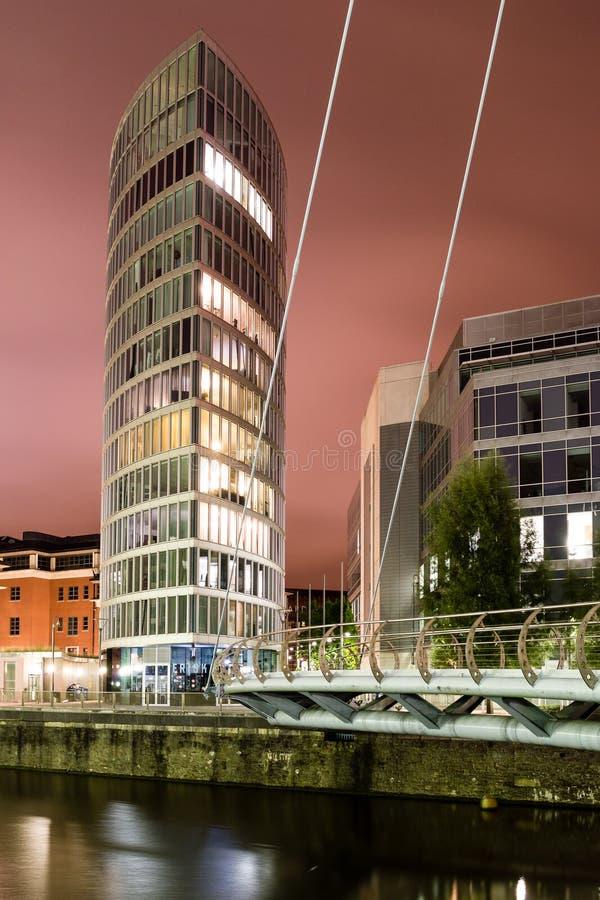 Het noordenmening bij Nacht op het Ooggebouw stock afbeeldingen