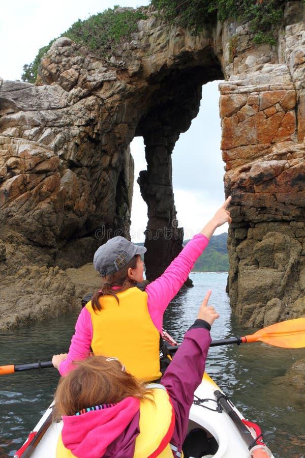 Het oceaan kayaking stock foto's