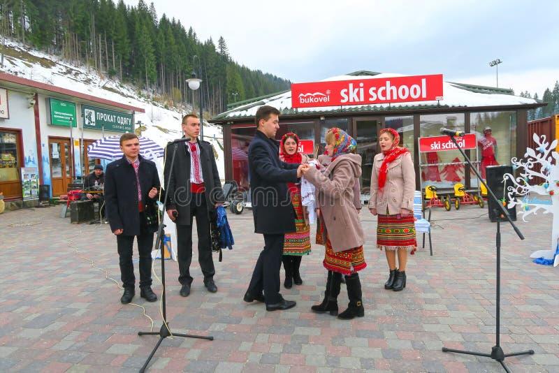 Het Oekraïense nationale ensemble zingen bij Kerstmis in Bukovel royalty-vrije stock afbeelding
