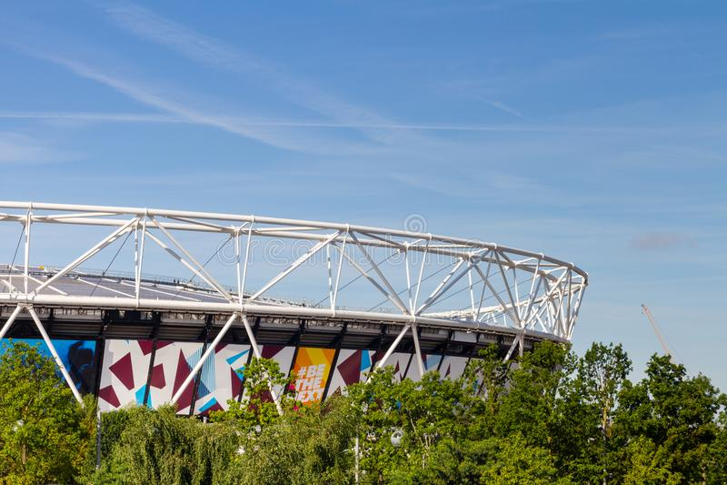 Het Olympische Stadion in Koningin Elizabeth Olympic Park, Londen stock foto's