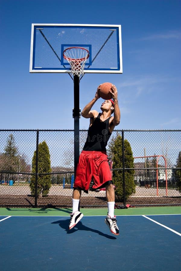 Het Omgekeerde van het basketbal dompelt onder stock afbeeldingen