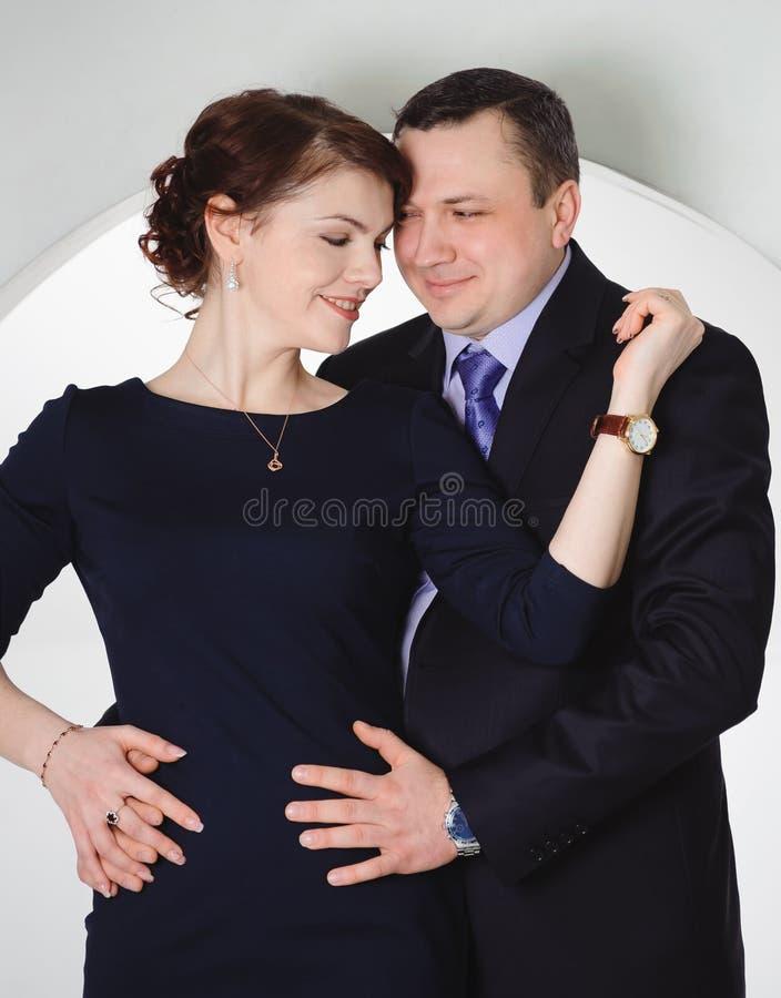 Het omhelzen van Paar stock afbeelding