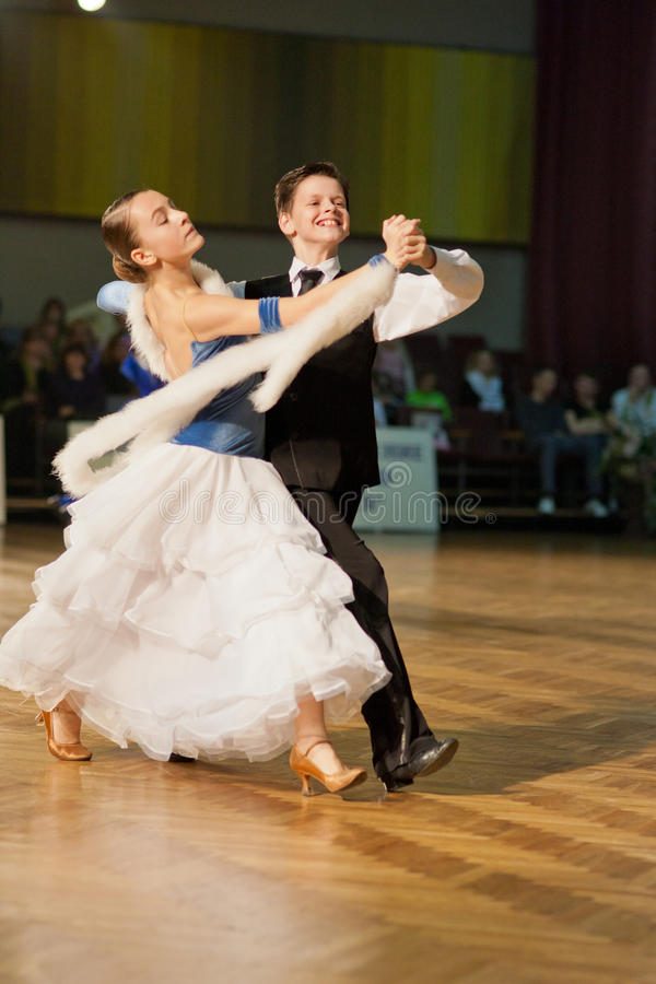 Het ondergeschikte Paar van de Dans stock afbeeldingen