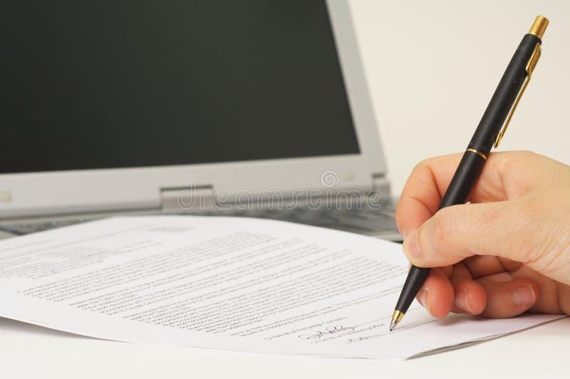 Het ondertekenen van contract stock foto