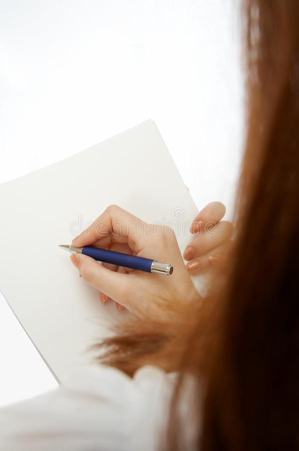 Het ondertekenen van het document stock fotografie