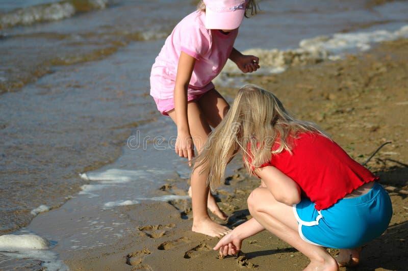 Het onderzoeken van de Kusten van het Meer stock afbeeldingen