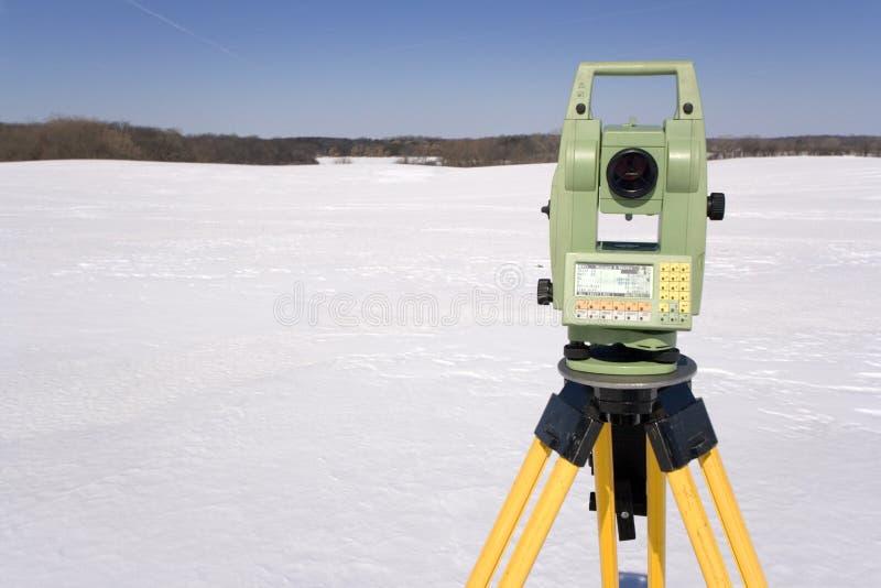Het Onderzoeken van het Land van de winter stock afbeeldingen