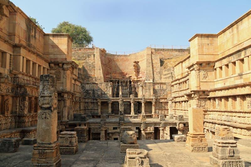 Het onderzoeken van Rani Ki Vav royalty-vrije stock foto's