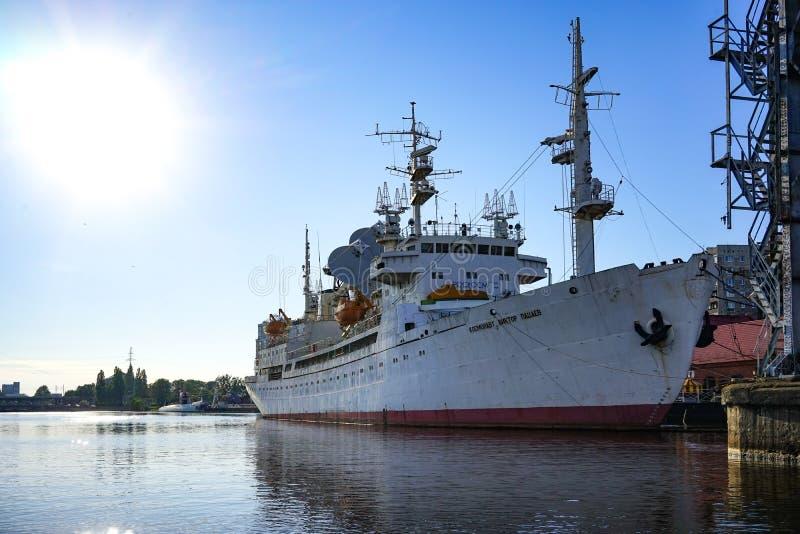 Het onderzoekschip ter ere van kosmonaut Viktor Patsaev wordt genoemd, is in het Museum van de Wereldoceaan die stock afbeeldingen