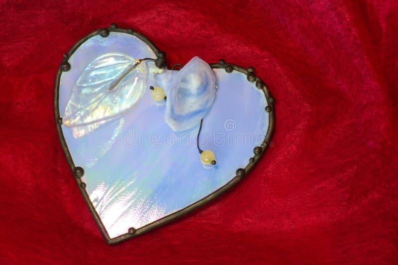 Het ondoorzichtige Ornament van het Glas op Rood royalty-vrije stock foto's