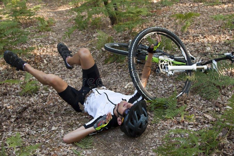 Het ongeval van de bergfietser royalty-vrije stock foto's