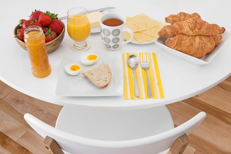 Het ontbijt is klaar stock afbeelding
